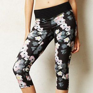 ANTHRO Pure + Good Shadow Floral Cropped Leggings